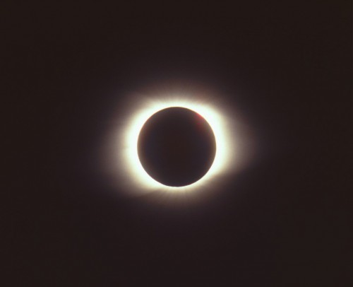 Total_solar_eclipse_of_March_9_1997